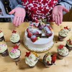 Xmasの王道★いちごデコレーション&抹茶クリームカップケーキ